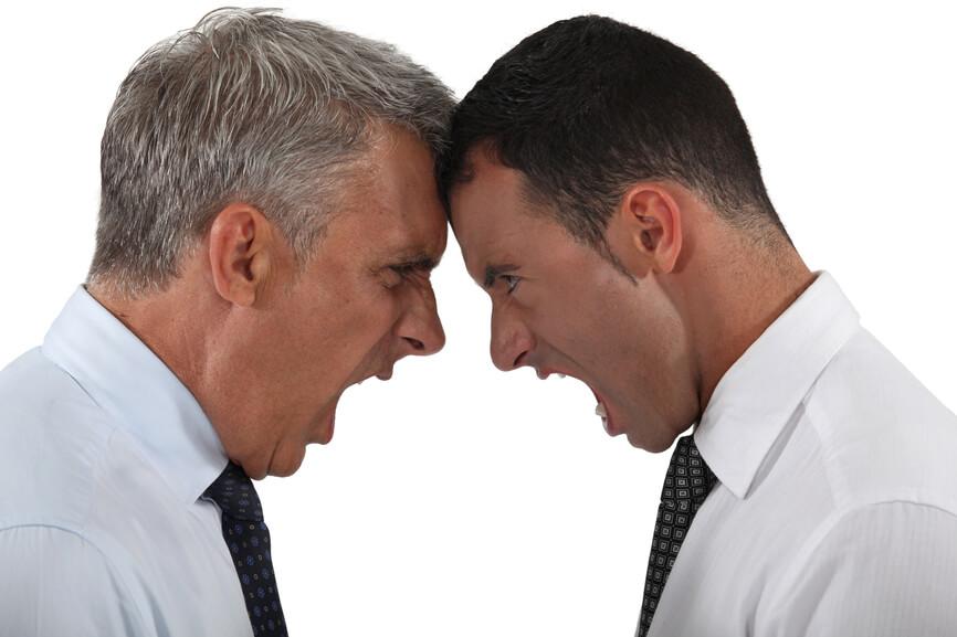 博士生遇到兩位意見不合的指導教授時該怎麼辦?