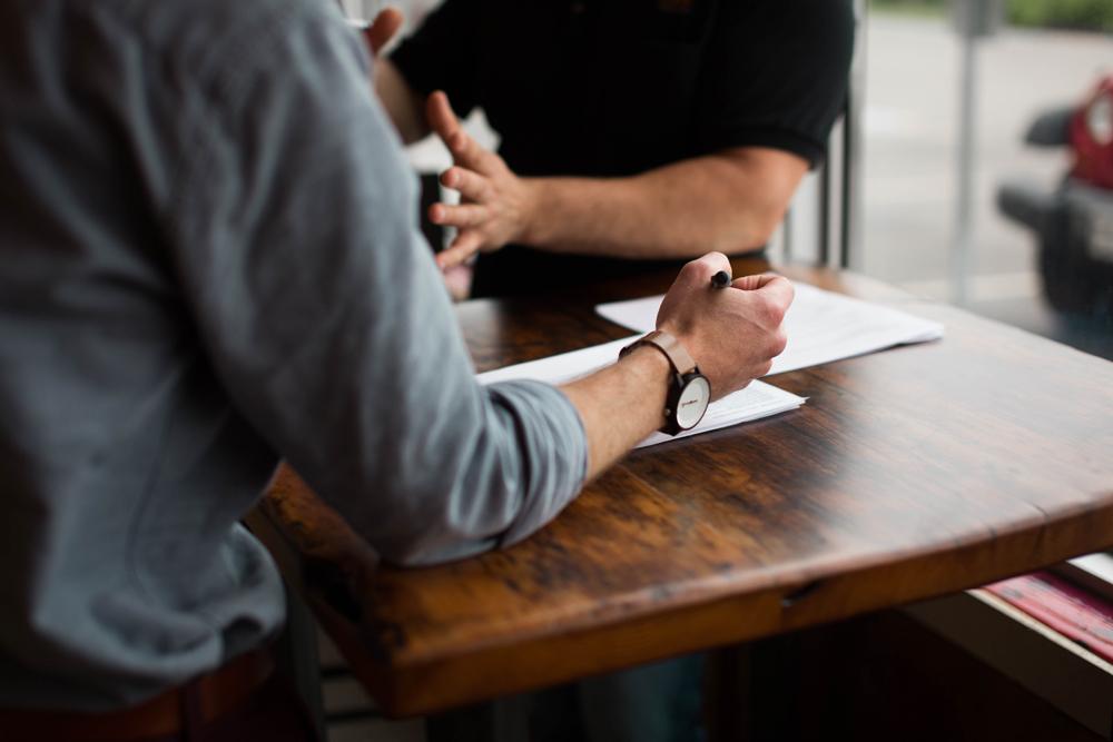 在學術研究領域中進行公正評論:批判性文獻回顧及文章審查的規則與寫法